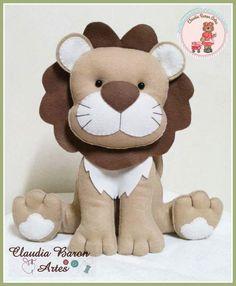 Felt Animal Patterns, Stuffed Animal Patterns, Diy Y Manualidades, Sewing Stuffed Animals, Animal Pillows, Easy Sewing Projects, Knitted Dolls, Felt Toys, Felt Ornaments
