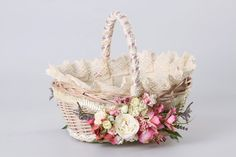 basket Easter Wreaths, Holiday Wreaths, Easter Baskets, Gift Baskets, Victorian Baskets, Card Basket, Decorated Gift Bags, Wedding Gift Wrapping, Flower Girl Basket