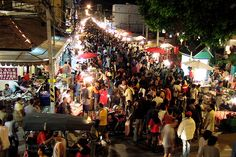 Night market in Chang Mai, Thailand Chaing Mai Thailand, Chiang Mai, Vietnam Travel, Thailand Travel, Asia Travel, Northern Thailand, Lonely Planet, Oh The Places You'll Go, Southeast Asia