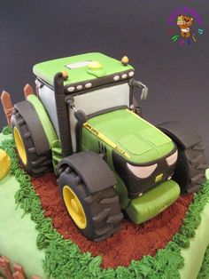 John Deere tractor - Cake by Sheila Laura Gallo - CakesDecor Tractor Birthday Cakes, Tractor Cakes, Tractor Cupcake Cake, John Deere Party, Deer Cakes, Truck Cakes, Farm Cake, John Deere Tractors, Novelty Cakes