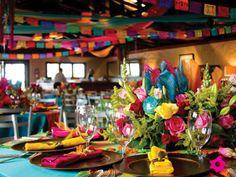 Decoración de boda mexicana llamativa