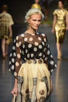 Dolce  Gabbana – Fashion Week Milan – Spring / Summer 2014. ©catwalkpix.com #mfw #dress #gabbana #elle_de
