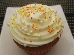 Magnolia Bakery-Traditional Vanilla Cupcake wt Cream Cheese Icing   Beachloverkitchen