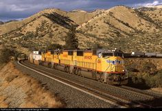 RailPictures.Net Photo: UP 4566 Union Pacific EMD SD70M at Walong, California by George W. Hamlin