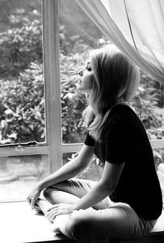 Sharon Tate, 1965 .. via missavagardner