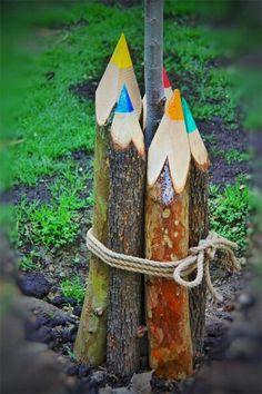Diy Garden Projects, Garden Crafts, Garden Art, Wood Projects, Garden Design, Wood Log Crafts, Reclaimed Wood Art, Garden Whimsy, Outdoor Art