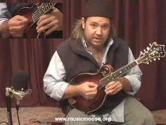 ▶ 6 Right Hand Mandolin Techniques - YouTube
