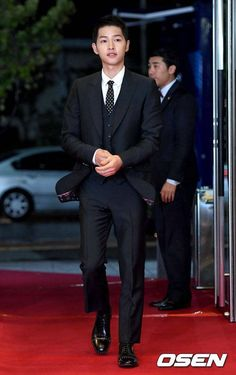 Daejeon, Song Joong Ki Photoshoot, Most Handsome Korean Actors, Song Joong Ki Cute, Soon Joong Ki, Descendants, Sun Song, Descendents Of The Sun, A Werewolf Boy