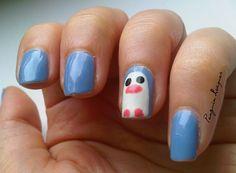 Quick and easy penguin nailart :) http://penguinlacquer.blogspot.de/2014/09/blue-penguin-friday.html #nailart