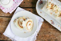 Lehoučký dezert v podobě rolády se hodí pro každou příležitost Hummus, Grains, Rice, Pudding, Treats, Ethnic Recipes, Sweet, Food, Mascarpone