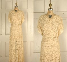 1930s Pale Peach Siren Wedding Dress, Dalena Vintage. #vintage #1930s #wedding