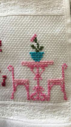 Small Cross Stitch, Cross Stitch Kitchen, Cross Stitch Heart, Cross Stitch Borders, Cross Stitch Designs, Cross Stitching, Cross Stitch Patterns, Hand Embroidery Designs, Embroidery Art