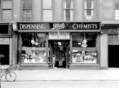 Boots the Chemist Glasgow Museum, Glasgow City, Glasgow Scotland, Edinburgh, Scottish People, Chemist, Old Photos, Store Fronts, Cafes
