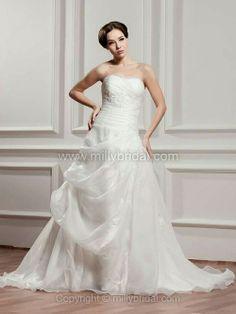 Princess Sweetheart Organza Chapel Train Pick-Ups Wedding Dresses