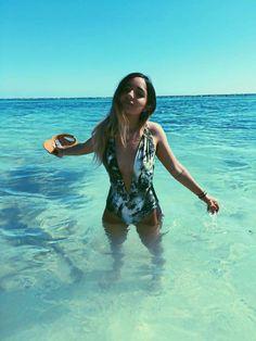Becky G, Photos Tumblr, Foto Pose, Poses, Swimsuits, Bikinis, Pretty Girls, Youtubers, Lgbt