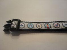 Happy Halsband, Voor vrolijke halsbanden en riemen voor uw viervoeter! Klik op de link voor de webshop of bezoek Happy Halsband op Facebook.