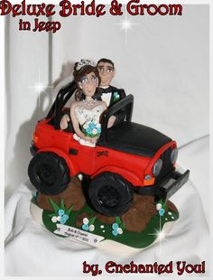 JEEP WEDDING CAKE TOPPER WITH LIGHTHOUSE AND PETS Wedding Cake