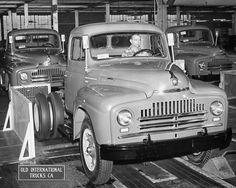 Vintage Trucks Early International in International Pickup Truck, Navistar International, International Harvester Truck, Cool Trucks, Big Trucks, Pickup Trucks, Antique Trucks, Vintage Trucks, Train Truck
