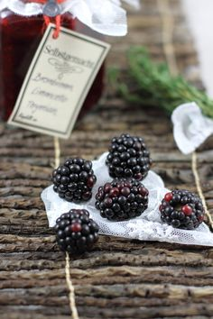 Brombeer Marmelade mit Thymian & Limoncello / Blackberry jam with thyme and Limoncello