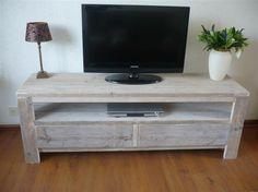Tv meubel gemaakt van gebruikt steigerhout
