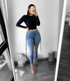 Casual Bar Outfits, Baddie Outfits Casual, Curvy Outfits, Classy Outfits, Trendy Outfits, Cool Outfits, Fashion Outfits, Fashion Ideas, Sexy Jeans