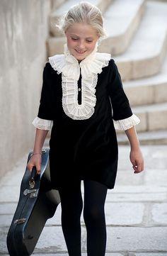 www.teresaleticia.com. Ropa de niños. Little Girl Fashion, Little Girl Dresses, Kids Fashion, Winter Fashion, Girls Dresses, Womens Fashion, Modele Hijab, Kind Mode, Kids Wear