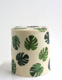 Philodendron Cake/Palm leaf wallpaper print destination tropical wedding cake