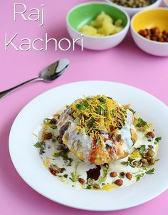 Raj Kachori recipe - A royal treat to all chaat lovers! Must try recipe!