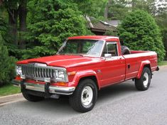 Helen Hunt's Jeep pickup like in Twister. What a chase vehicle! Old Pickup Trucks, Jeep Pickup, Jeep Suv, Jeep Truck, Jdm, Muscle Cars, Planes, Red Jeep, Jeep Wagoneer