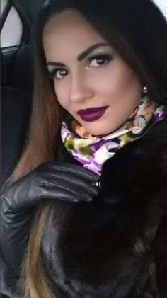 Hundreds of new looks updated every day! Classy And Fab, Edgy Makeup, Gloves Fashion, Black Leather Gloves, Long Gloves, Good Looking Women, Rocker Chic, Leather Fashion, Beauty Women