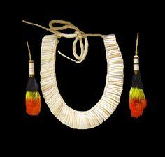 Colar de caramujo e brincos etnia Xingú http://www.maimuseu.com.br/
