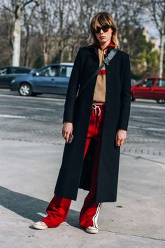 March 8, 2016  Tags Sunglasses, Red, Paris, Chloé, Edie Campbell, Women, Model Off Duty, Models, Sneakers, Coats, Converse, Drawstring Pants, FW16 Women's, 1 Person, Track Pants