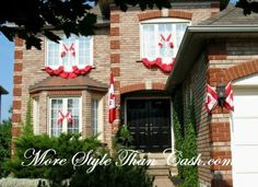 Canada Day party decorations and ideas blend red and white decorating colors into outdoor home decor, brightening up backyard designs on the of July Bathroom Designs Images, Simple Bathroom Designs, Shower Tile Designs, Canada Day Party, Design Your Own Bathroom, Online Home Design, Canada Holiday, Patriotic Decorations, 4th Of July Wreath