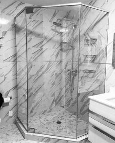 Framless Neo-Angle Shower w/Header Modern Shower, Bathroom Modern, Bathroom Ideas, Neo Angle Shower, Frameless Shower Enclosures, Deco Design, Shower Doors, Bath