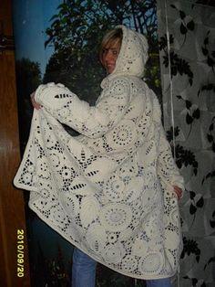 Вязаное пальто в ирландском кружево