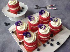 VÍKENDOVÉ PEČENÍ Mini Pavlova, Red Velvet Cupcakes, Mini Cakes, Muffins, Cheesecake, Food And Drink, Desserts, Tailgate Desserts, Muffin