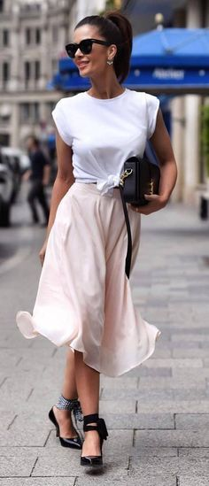 amazing outfit: top + bag + skirt