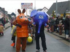 """Sendung mit der Maus on Twitter: """"Maus und Elefant im Straßenkarneval. Herrlich! Warst du auch schon mal als #Maus verkleidet? https://t.co/j3ZxD6cJ1R"""""""