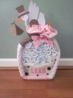 Gâteau de couches pour cadeau de naissance... ...