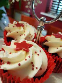 ΜΑΓΕΙΡΙΚΗ ΚΑΙ ΣΥΝΤΑΓΕΣ 2: Cupcakes βανίλια με βουτυρόκρεμα!!