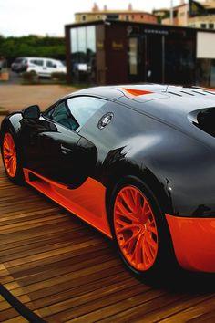 Bugatti Veyron, awesome colour. #cars ◆Pure Luxury ♔LadyLuxury ♔