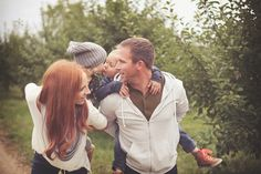 How to Capture Raw, Emotion-filled Family Pictures