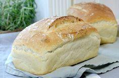 Kjapp, enkel og kjempegod loff Bread Dough Recipe, Norwegian Food, Scandinavian Food, Sweet And Salty, Bread Baking, Pan Bread, Baking Recipes, Bread Recipes, Love Food