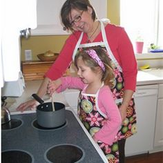 Did you ever think to buy mother daughter aprons as gift for Mother's Day? If so, do not hesitate to stop by and join my journey to pick one...