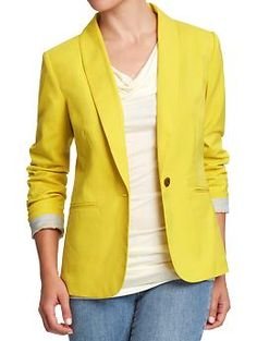 Old Navy - I either love yellow or hate it, and I dig it here. I just wish I could pull this off