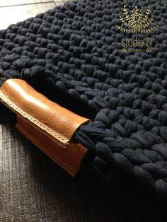 Crochet el bolso con asas de cuero caja del por StudioInBudapest