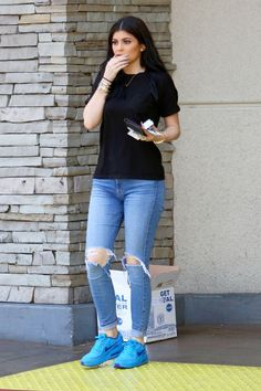 it's awesome site web you can find everything do you want dogs,cats,fashion,food etc. Kylie Jenner Outfits, Mode Kylie Jenner, Casual Outfits, Cute Outfits, Fashion Outfits, Fashion Fashion, Fashion Ideas, Vintage Fashion, Jeans Tumblr