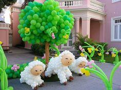 Decoração de festa criativa com bexigas