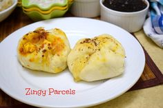 Domino's Zingy Parcels is a stuffed roll with cheese and paneer seasoned with Italian seasoning. It is spicy, tangy and sinful to indulge in.