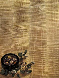 Oak Saw cutting. Genuine Gold leaf 24 Kt. Rovere taglio sega, Foglia d'Oro Zecchino 24 Kt.